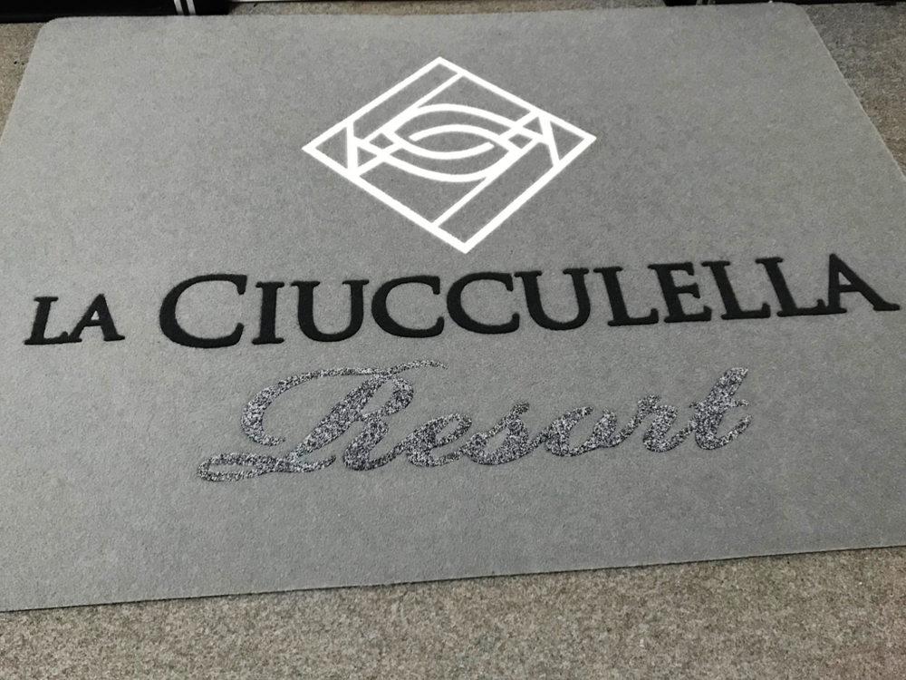 Tappeto personalizzato per il Resort La Ciucculella
