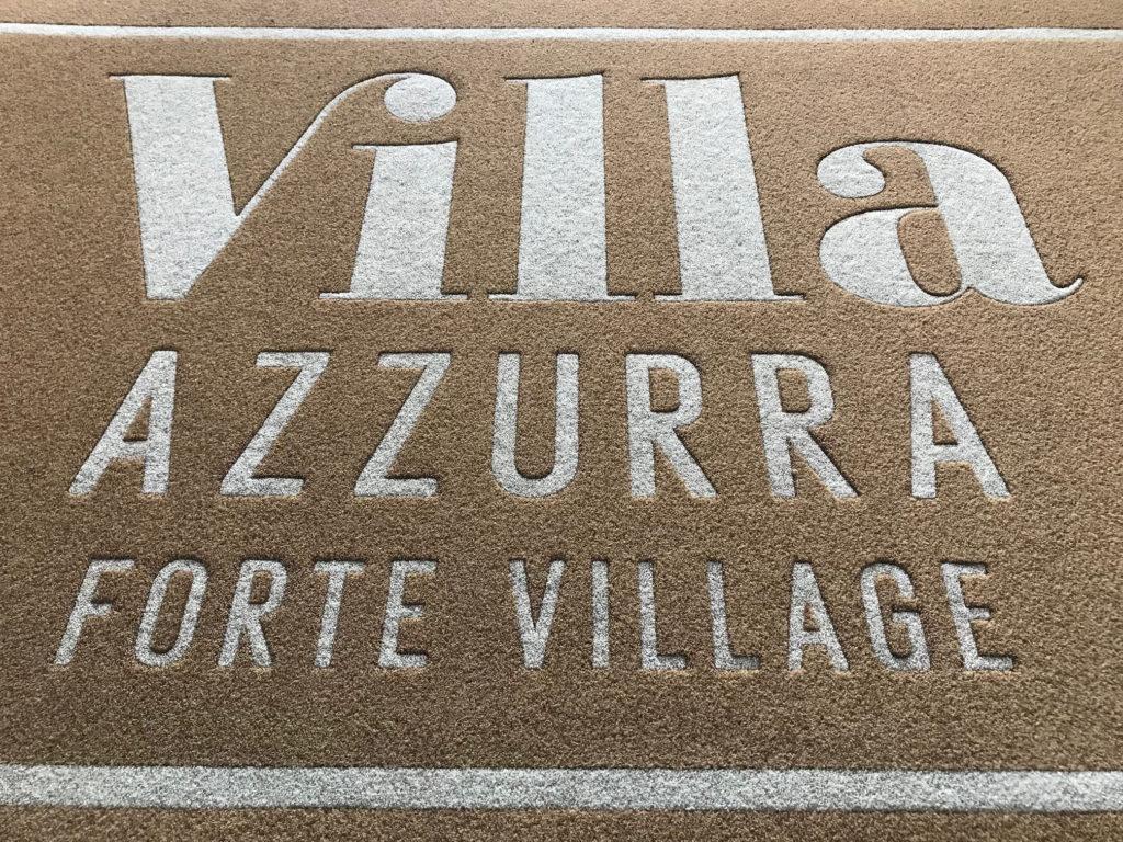 Tappeto intarsiato personalizzato con logo Villa Azzura Forte Village